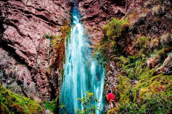 Caminata a la Catarata y Sitio Arqueológico de Perolniyoc Full Day